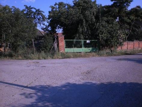 зелена капија другог улаза у двориште мих. с. л. - Фотодокументација  Заветина, лето 2013.Звижд
