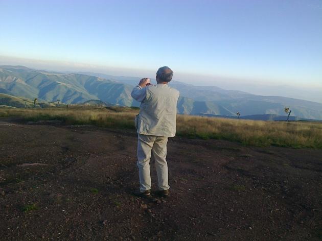 Бела Тукадруз на врху Старе планине (изнад Бабиног Зуба) Србијом уздуж и попреко. О Великој Госпојини, 2014.